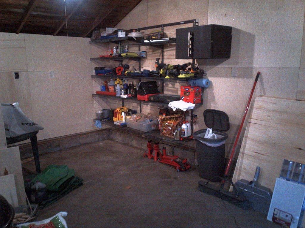 GarageShelving3.jpg
